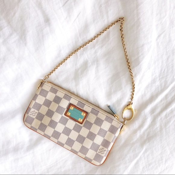a746254548d0 Louis Vuitton Handbags - Louis Vuitton Milla Pouch with Chain Strap